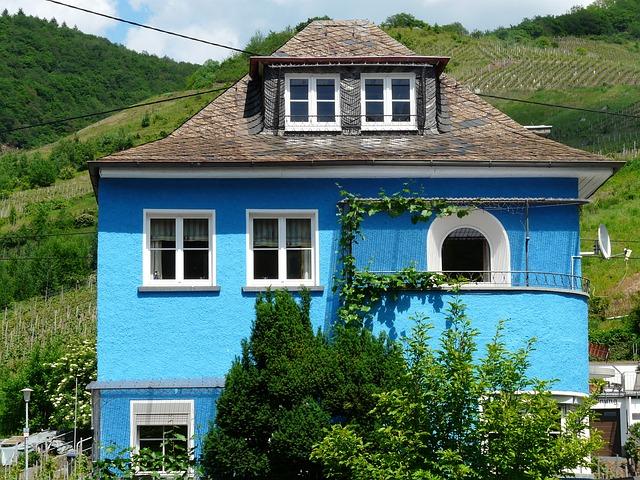 En ejendomsmægler kan hjælpe dig godt gennem dit næste boligkøb
